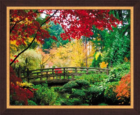Постер в раме Японский сад, 40 x 50 смSG 11Картина для интерьера (постер) - современное и актуальное направление в дизайне любых помещений. Постер Японский сад может использоваться для оформления множества интерьеров: дома, офиса (комната переговоров, холл, кабинет), бара, кафе, ресторана или гостиницы. Постер в раме является отличным подарком. Постеры, представленные компанией ПостерМаркет, собраны вручную из лучших импортных комплектующих, надежно упакованы в пленку с противоударными уголками. Характеристики: Материал: бумага, пластик, ДВП. Размер постера (без рамы): 40 см x 50 см. Размер постера (с учетом рамы): 46 см х 56 см х 1 см. Производитель: Россия. Артикул: SG 11.