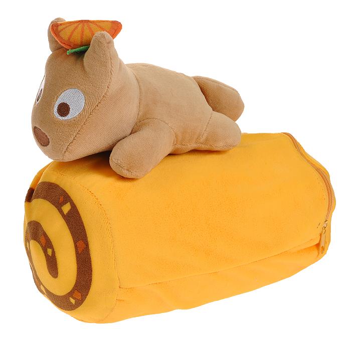Плед-подушка Don Don, цвет: желтый. 1523715237Удивительно мягкий плед с ворсистой фактурой окружит вас теплотой и уютом. Флисовый плед очень нежный и приятный на ощупь. Плед упакован в чехол на молнии, который превращается в небольшую подушечку в форме валика. Подушечка-чехол декорирована очаровательной игрушкой - собачкой Pon Pon. Плед-подушка прекрасно впишется в интерьер детской комнаты или спальни и подарит вам ощущение комфорта. Характеристики: Материал: полиэстр, флис. Цвет: желтый. Размер подушки: 21 см x 11 см x 21 см. Размер пледа: 152 см x 76 см. Артикул: 15237.