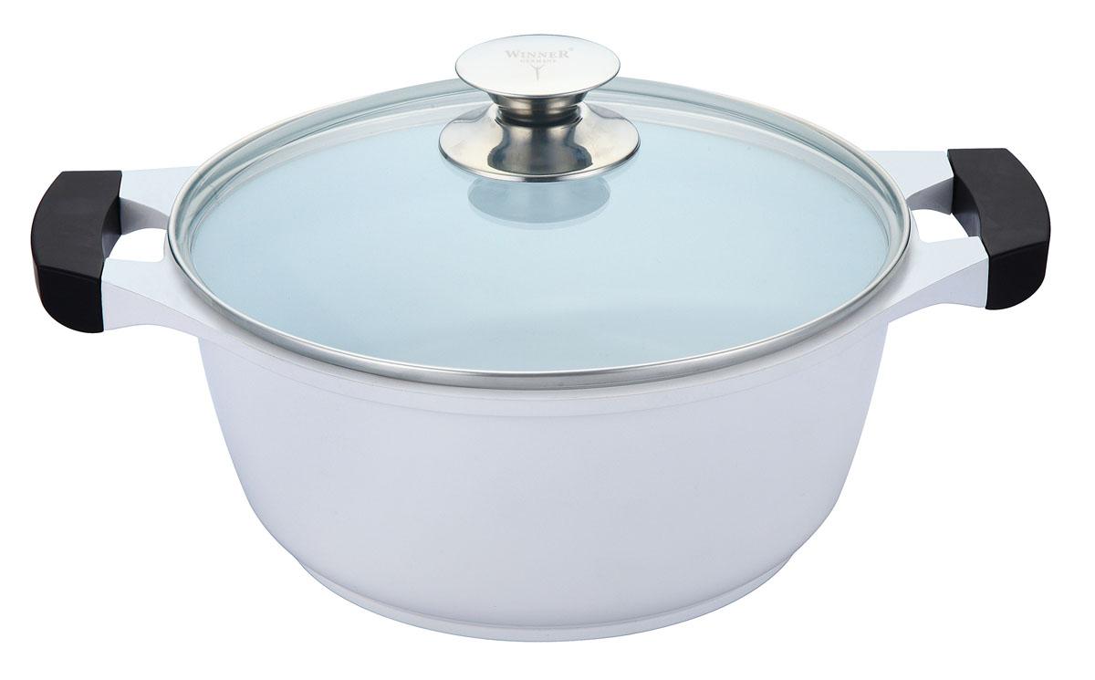 Кастрюля Winner с крышкой, 2.5 л. WR-1422CM000001328Кастрюля Winner выполнена из высококачественного литого алюминия с антипригарным керамическим двуслойным нанопокрытием Ilag. Внешнее лаковое покрытие белого цвета является жаростойким. Посуда с нанопокрытием обладает высокой прочностью, жаро-, износо-, коррозийной стойкостью, химической инертностью. При нагревании до высоких температур не выделяет и не впитывает в себя вредных для человека химических соединений. Нанопокрытие гарантирует быстрый и равномерный нагрев посуды и существенную экономию электроэнергии. Данная технология позволяет исключить деформацию корпуса при частом и длительном использовании посуды. Кастрюля оснащена двумя удобными ручками из бакелита с силиконовым покрытием. Крышка, выполненная из термостойкого стекла, позволит вам следить за процессом приготовления пищи. Крышка плотно прилегает к краю кастрюли, предотвращая проливание жидкости и сохраняя аромат блюд.Изделие подходит для использования на всех типах плит, включая индукционные. Можно мыть в посудомоечной машине.Это идеальный подарок для современных хозяек, которые следят за своим здоровьем и здоровьем своей семьи. Эргономичный дизайн и функциональность позволят вам наслаждаться процессом приготовления любимых, полезных для здоровья блюд. Характеристики: Материал: литой алюминий, стекло, бакелит, силикон. Объем: 2,5 л. Внутренний диаметр: 20 см. Высота стенки: 10 см. Толщина стенки: 2 мм. Толщина дна: 0,5 см. Размер упаковки: 26,5 см х 26,5 см х 12 см. Производитель: Германия. Изготовитель: Китай. Артикул:WR-1422.