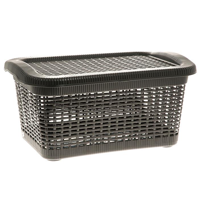 Корзина Rattan с крышкой, цвет: темно-коричневый, 20 л2167_ темно-коричневыйПрямоугольная корзина Rattan изготовлена из прочного пластика темно-коричневого цвета. Она предназначена для хранения мелочей в ванной, на кухне, даче или гараже. Позволяет хранить мелкие вещи, исключая возможность их потери. Корзина с отверстиями на стенках и крышке в виде плетения и со сплошным дном. Корзина имеет плотно закрывающуюся съемную крышку. Сбоку имеются две ручки для удобной переноски.