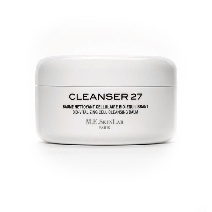 Cosmetics 27 Био-балансирующий бальзам Cleanser 27 для лица, очищающий, 125 млCM27003Био-балансирующий бальзам Cleanser 27 нежно, но тщательно очищает чувствительную, сухую и аллергенную кожу, смывается водой, снимает макияж. Легкое отшелушивающее средство, обновляет кожу. Трехфазовая формула: бальзам, масло и эмульсия. Увлажняет и легко питает кожу. Насыщенные масла (масло ореха макадамия, дерева пракакси) питают, увлажняют, смягчают и защищают кожу. Липофильные ингредиенты устраняют загрязнения и ухаживают за кожей. Био-экстракт центеллы азиатской восстанавливает и регенерирует. Экстракт бамбука имеет природное отшелушивающее действие, удаляет мертвые клетки кожи. Бисаболол и экстракт ромашки успокаивают аллергенную и чувствительную кожу. Бальзам подходит для всех типов кожи. Специально разработан для сухой кожи, испытывающей недостаток жизненной силы. Применение : возьмите небольшое количество очищающего средства с помощью специальной лопатки. Нанесите на сухое лицо, шею и зону декольте. Втирайте в кожу массирующими движениями на протяжении 1...