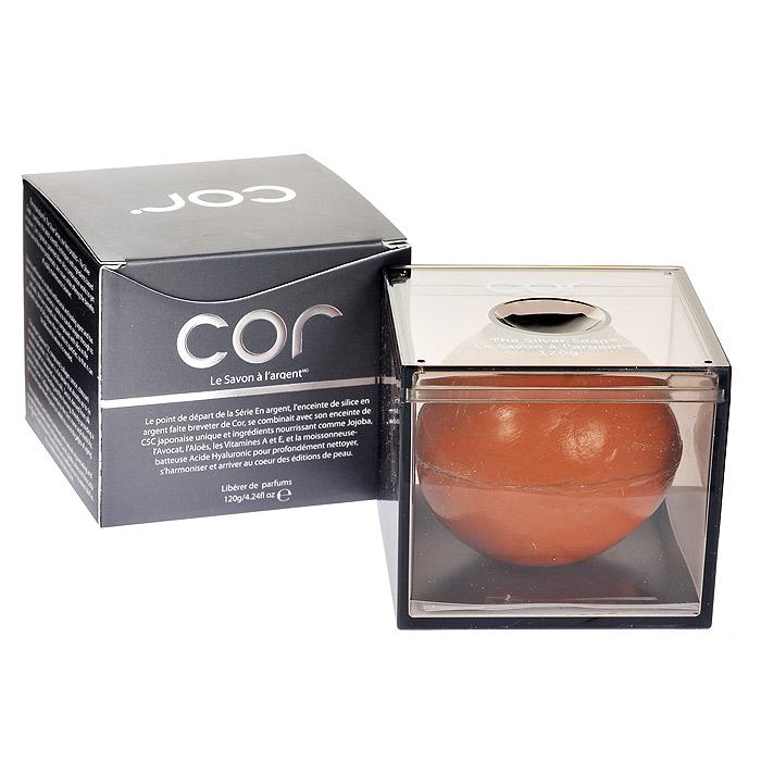 Cor Мыло для умывания, с серебром, 30 гCOR050103Мыло Cor содержит морской коллаген из Японии. Оно восстанавливает выделительную способность кожи, особенно в Т-зоне. Великолепно удаляет макияж, выравнивает тон, уменьшает пигментные пятна и сужает поры, восполняет степень увлажненности кожи, заметно уменьшает признаки старения и защищает кожу от вредного воздействия УФ-лучей. Активные ингредиенты : глицерин растительного происхождения, полученный из пальмового масла - натурального возобновляемого источника. экстракт граната, который помогает бороться со свободными радикалами, что замедляет процесс увядания кожи. Молекулы этого компонента известны также своими эстрогенными свойствами в процессе омоложения кожи и разглаживания морщин. Характеристики: Вес: 30 г. Артикул: COR050103. Производитель: Южная Корея. Товар сертифицирован.
