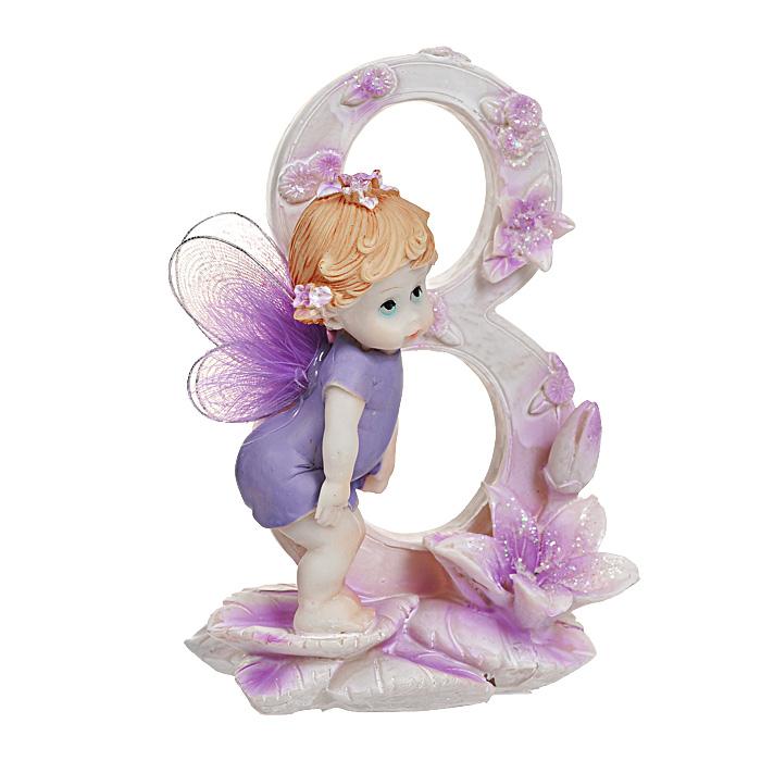 Статуэтка Именинный ангелочек. 8 лет514-1033Статуэтка Именинный ангелочек. 8 лет, выполненная из полистоуна, станет отличным подарком для вашего малыша! Все мы знаем, как порой непросто бывает выбрать подходящий подарок к тому или иному торжеству, а декоративные статуэтки Molento всегда были и останутся оригинальным подарком. Этот вид сувенира нельзя назвать бесполезной вещью. Статуэтка может стать великолепным украшением интерьера. На протяжении долгих лет, дизайнеры используют статуэтки для придания интерьеру особого шарма. Характеристики: Материал: полистоун. Размер статуэтки: 9,5 см х 6 см х 12 см. Размер упаковки: 10 см х 7,5 см х 13 см. Артикул: 514-1033.