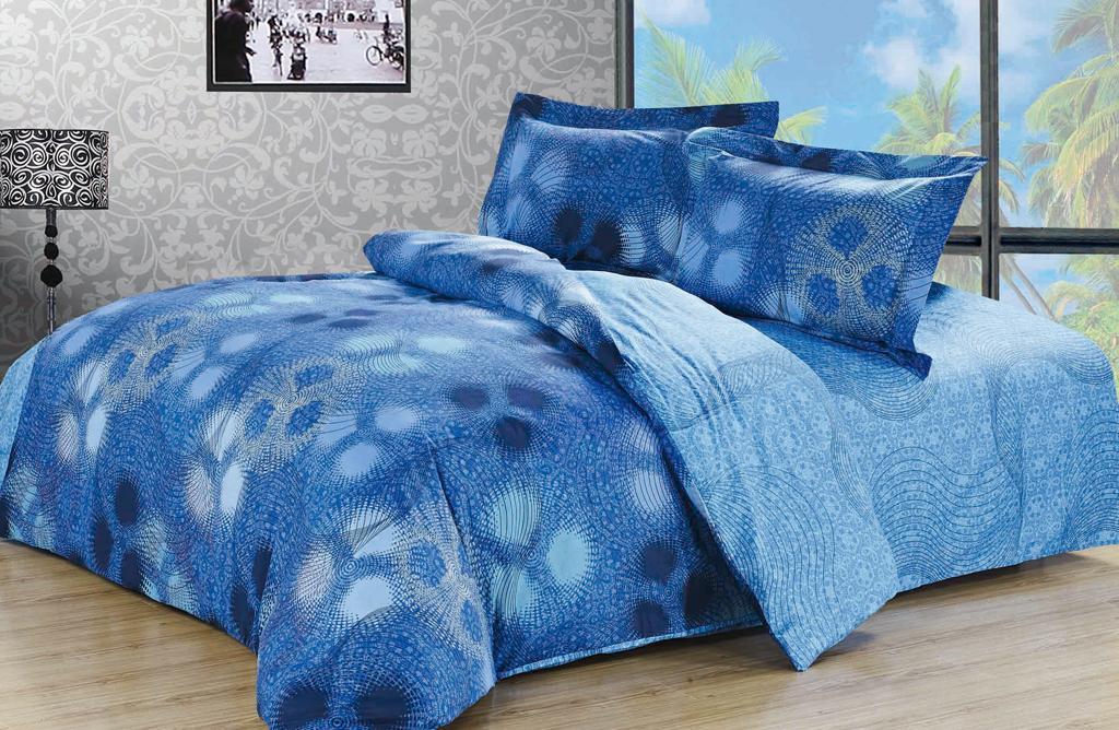Постельное белье SL (евро КПБ, хлопок, наволочки 50х70). 0920109201Комплект постельного белья SL выполнен из натурального высококачественного хлопка голубого цвета и оформлен оригинальным абстрактным рисунком. Комплект состоит из пододеяльника, простыни и двух наволочек с ушками. Постельное белье SL подобно облаку сочетает в себе плотность цвета и безграничную нежность фактуры. Это белье обладает волшебной практичностью, а потому оказываться на седьмом небе станет вашим привычным занятием. Доверьте заботу о качестве вашего сна высококачественному натуральному материалу. Хлопок - ткань прочная, мягкая, обладает низкой сминаемостью, легко стирается и хорошо гладится. При соблюдении рекомендуемых условий стирки, сушки и глажения ткань имеет усадку по ГОСТу, сохраняется яркость текстильных рисунков. Комплект упакован в подарочную картонную коробку, украшенную сюжетами по мотивам картин эпохи Возрождения. Характеристики: Страна: Китай. Материал: 100% хлопок. Размер упаковки: 41 см х 31 см х 8 см. ...