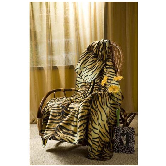 Плед флисовый Тигрица, 150 х 200 смGC240/25Приятный на ощупь плед имеет двусторонний рисунок. Он добавит комнате уюта и согреет в прохладные дни. Удобный размер этого очаровательного пледа позволит использовать его и как одеяло, и как покрывало для кресла или софы. Такое теплое украшение может стать отличным подарком друзьям и близким! Характеристики: Материал: 100% полиэстер. Размер: 150 см х 200 см. Производитель: Китай. Артикул: ПФ-37019-150.