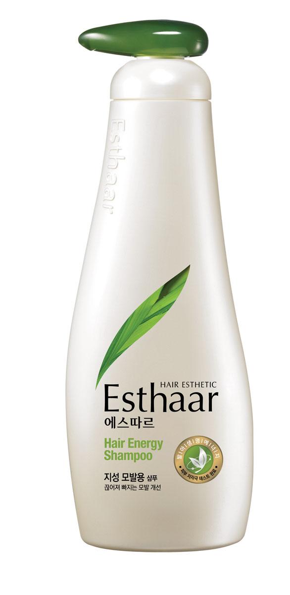 Esthaar Шампунь Энергия волос, для жирной кожи головы, 500 г978764Шампунь Esthaar Энергия волос разработан по новейшей запатентованной технологии с применением молодых побегов целебных трав, известных своей высокой концентрацией лечебных веществ. Богатый 12 видами витаминов и минералов, шампунь укрепляет стержень волос, наполняет его жизненной силой и энергией, тем самым уменьшает ломкость и потерю. Шампунь состоит на 99% из растительных очищающих компонентов, что делает его низкоаллергенным. Имеет сертификат LOHAS (Lifestyles Of Health And Sustainability), что подтверждает его безопасность для здоровья человека и окружающей среды. Научные исследования доказали, что уже через неделю использования ломкие волосы становятся крепче на 117%. Характеристики: Вес: 500 г. Артикул: 978764. Производитель: Корея. Товар сертифицирован.