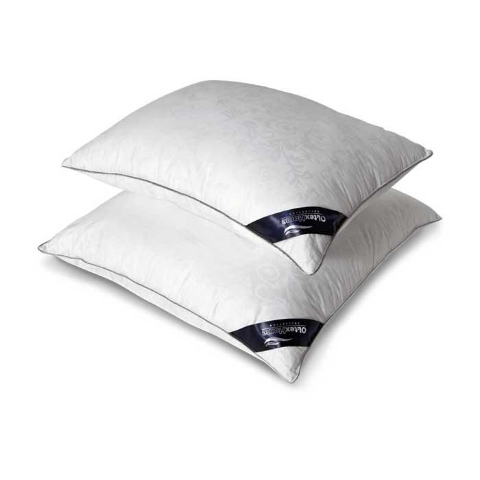 Подушка OL-Tex Nano Silver, цвет: белый, 50 х 68 смОЛСС-57-1Чехол подушки OL-Tex Nano Silver выполнен из мягкого приятного на ощупь материала сатин-жаккард (100% хлопок). Наполнитель - сверхтонкое высокосиликонизированное волокно OL-tex с ионами серебра. О чудотворном действии серебра люди знали давно. Благодаря использованию наполнителя с ионами серебра, изделия приобретают уникальные потребительские свойства. Серебро убивает бактерии, вызывающие неприятные запахи, микробов и клещей, обитающих в домашней пыли. Изделия с ионами серебра идеально подходят для людей, страдающих от аллергии. Серебро, благодаря высокой электрической проводимости, рассеивает электростатическое напряжение, накопившееся за день на коже из-за обилия синтетической одежды, работы за компьютером и др. А также в холодную погоду, благодаря способности серебра к терморегуляции, постель лучше сохраняет тепло. В жару одеяла и подушки с включением серебра ускоряют испарение влаги, создавая комфортную среду. Подушка OL-Tex Nano Silver - достойный выбор...