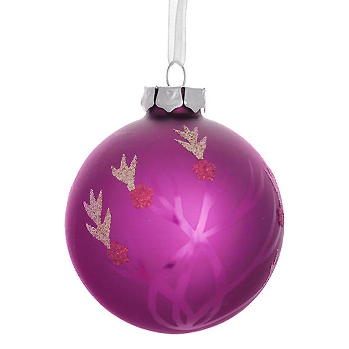 Новогоднее подвесное украшение Шар, цвет: малиновый. 3053630536Новогоднее подвесное украшение «Шар» выполнено из стекла с покрытием малинового цвета и декорировано блестками. С помощью специальной ленты украшение можно повесить в любом понравившемся вам месте. Но, конечно, удачнее всего такой шар будет смотреться на праздничной елке. Елочная игрушка - символ Нового года. Она несет в себе волшебство и красоту праздника. Создайте в своем доме атмосферу веселья и радости, украшая новогоднюю елку нарядными игрушками, которые будут из года в год накапливать теплоту воспоминаний. Коллекция декоративных украшений из серии Magic Time принесет в ваш дом ни с чем несравнимое ощущение волшебства! Характеристики: Материал: стекло, металл, текстиль. Цвет: малиновый. Диаметр игрушки: 8 см. Размер упаковки: 9,5 см х 9,5 см х 9 см. Артикул: 30536.