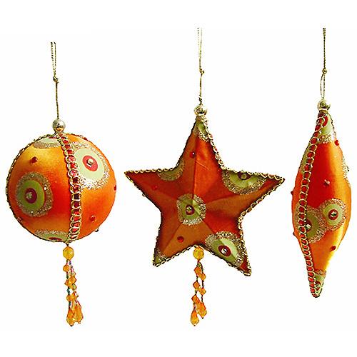 Набор новогодних подвесных украшений, цвет: оранжевый, зеленый, 3 шт. 1267612676В набор входят три елочных игрушки, выполненные в виде шара, звезды и веретена. Украшения покрыты оранжевым и зеленым текстилем, декорированы бусинами и стразами различных цветов и размеров, блестящими лентами, золотистой тесьмой и проволокой. Металлический корпус не даст украшениям разбиться или деформироваться при падении и гарантирует их долговечность. Винтажный дизайн этого новогоднего набора украшений не оставит равнодушным ни вас, ни ваших гостей. Характеристики: Материал: металл, текстиль. Цвет: оранжевый, зеленый. Размер украшения в виде шара: 8,5 см х 7,5 см х 7,5 см. Размер украшения в виде звезды: 12 см х 12 см х 3 см. Размер украшения в виде веретена: 15 см х 4,5 см х 4,5 см. Артикул: 12676.