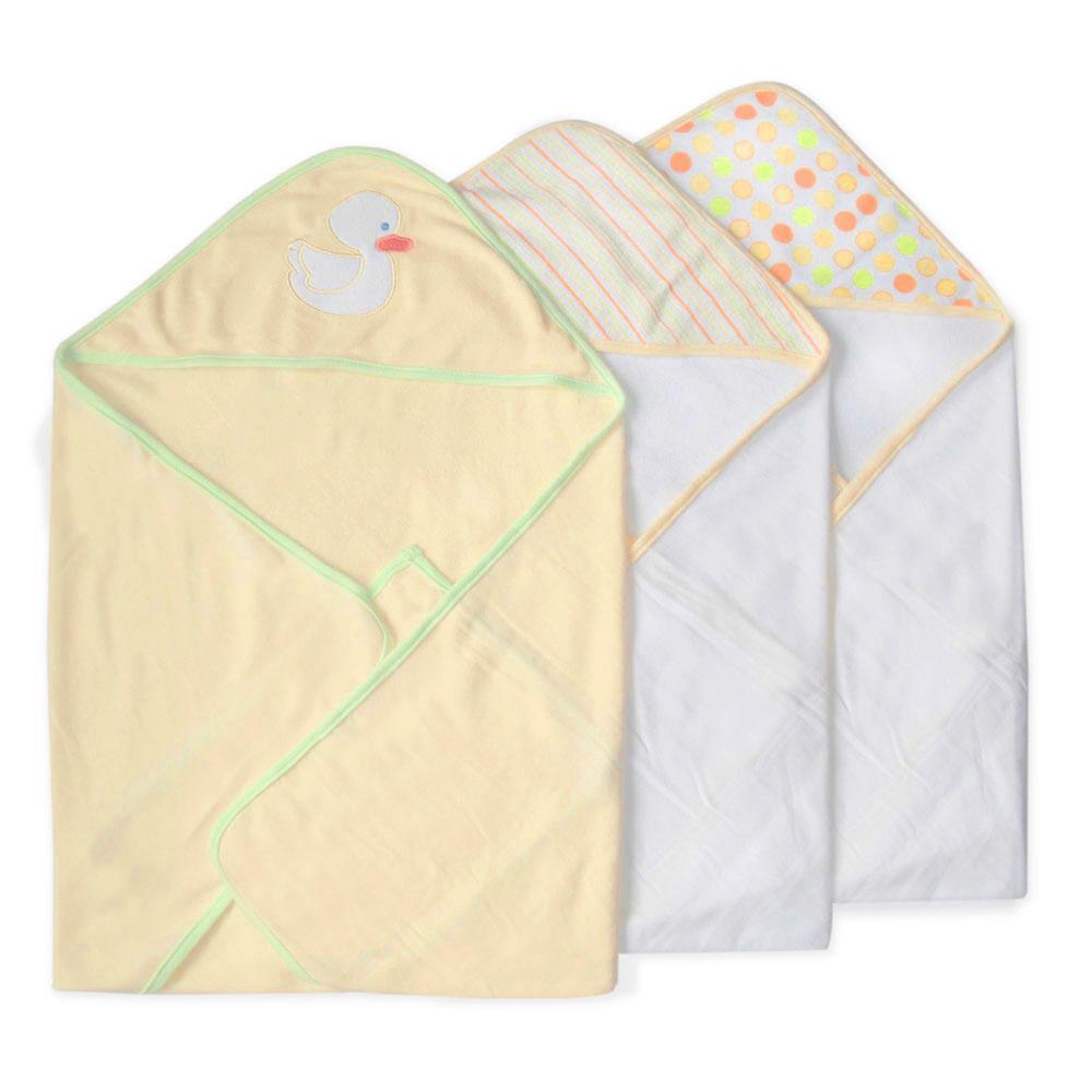 Набор полотенец с капюшоном Уточка, цвет: желтый, 66 см х 76 см, 3 шт10.00.01.1048Набор полотенец с капюшоном Уточка идеально подойдет для ухода за ребенком, подарит ему мягкость и необыкновенный комфорт. В набор входят три махровых полотенца: два белого цвета, капюшон оформлен разноцветными кружочками или полосками, третье - желтого цвета, декорированное аппликацией в виде белой уточки. Полотенце с капюшоном позволяет полностью завернуть малыша после купания. Оно очень нежное и приятное на ощупь, а также обладает легким массирующим эффектом, отлично впитывает влагу и быстро сохнет. В полотенце с капюшоном вашему малышу будет тепло и сухо.Характеристики:Материал: 80% хлопок, 20% полиэстер. Размер полотенца: 66 см х 76 см. Изготовитель: Китай.