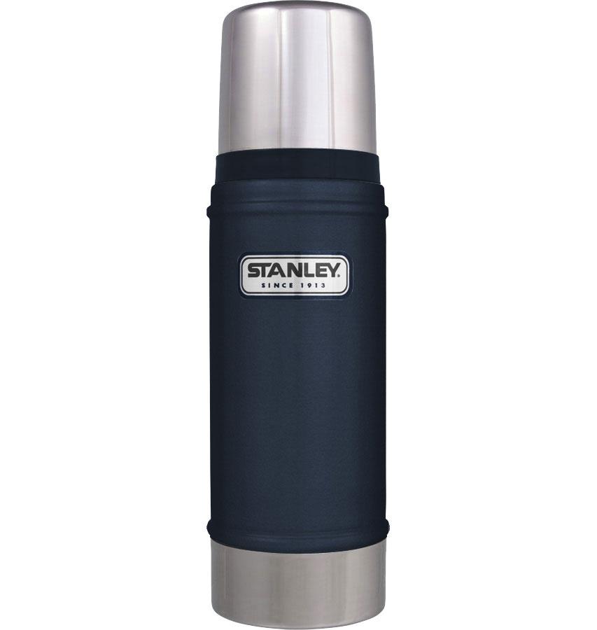 Термос Stanley Classic, цвет: темно-синий, 0,47 л10-01228-038Термос Stanley Classic с вакуумной изоляцией изготовлен из нержавеющей стали с покрытием из абразивостойкой эмали. Благодаря вакуумной изоляции термос удерживает тепло и холод в течении 15 часов. Крышка выполнена в виде термостакана объемом 236 мл. Слив - через поворотную пробку. Термос герметичен. Стильный функциональный термос будет незаменим в дороге, на пикнике. Его можно взять с собой куда угодно, и вы всегда сможете наслаждаться горячим домашним напитком. Гарантийный срок 5 лет. Возврат товара возможен только через сервисный центр. Гарантийный центр: м. ВДНХ, Ботанический сад 129223, г. Москва, Проспект Мира, 119, ВВЦ, строение 323 +7 495 974 3494 service@omegatool.ru Время работы сервисного центра: Пн-чт: 10.00-18.00 Пт: 10.00- 17.00 Сб, Вс: выходные дни