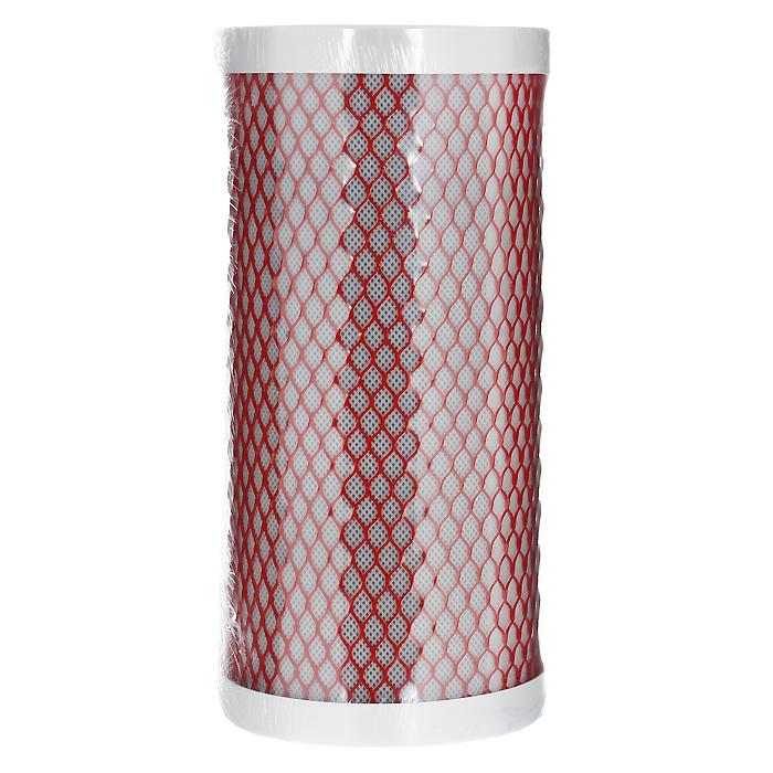 Картридж Арагон-3, для магистральных фильтров, для горячей и холодной воды. Размер 10ВВ30054Картридж Арагон 3 10ВВ. Комбинированный картридж из материала Арагон и карбон-блока. Создан компанией Гейзер как специальный высокопроизводительный картридж для магистральных фильтров горячей и холодной воды, позволяющий получать воду питьевого класса за одну стадию очистки. В одном корпусе фильтра с картриджем Арагон 3 вода очищается от механических примесей, ионов железа и тяжелых металлов, нефтепродуктов и хлора. Используется в фильтре Гейзер Тайфун 10ВВ. Подходит для корпусов стандарта 10ВВ (Big Blue) любых производителей. Картридж Арагон 3 – единственный картридж совмещающий уникальный полимер с пространственно-глобулярной очисткой и высококачественный активированный уголь. Холодная вода очищается до уровня питьевой, а горячая не нанесет ущерб домашней сантехнике. Антисброс – картридж не пропустит загрязнения в очищенную воду и наглядно покажет, когда менять картридж: напор воды резко уменьшится. Остальные фильтры при...