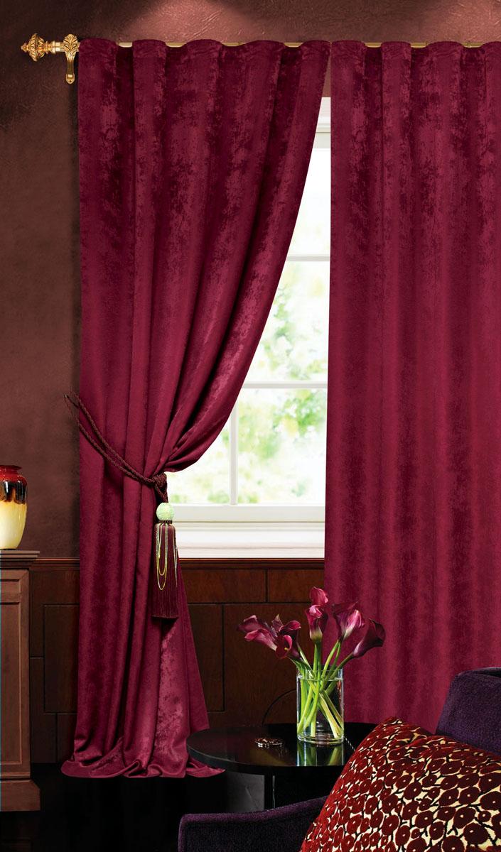 Штора готовая для гостиной Garden, на ленте, цвет: бордовый, размер 140 х 260 см. С 535123 V2277С 535123 V2277Штора готовая для гостиной Garden выполнена из облегченного велюра (полиэстера). Богатая текстура материала и изысканная цветовая гамма привлекут к себе внимание и органично впишутся в интерьер помещения. Изделие оснащено шторной лентой для красивой сборки. Штора Garden великолепно украсит любое окно.