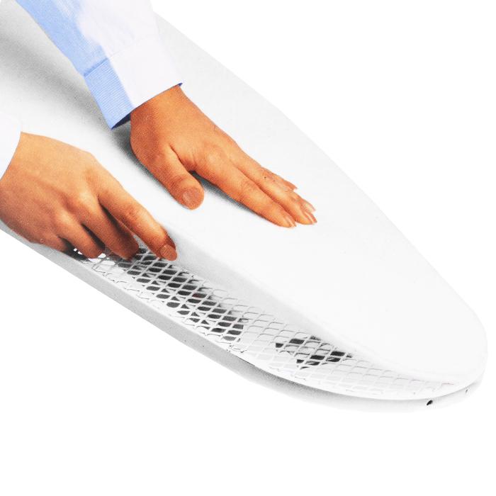 Накладка под чехол для гладильной доски Rayen, 40 х 130 см6156Накладка под чехол для гладильной доски Rayen выполнена из теплопроводящего плотного фетра белого цвета толщиной 5 мм. Накладка предназначена для поддержания ровной поверхности гладильной доски. Материал накладки выдерживает высокие температуры, делает глажение более удобным. Накладку под доску можно вырезать. Характеристики: Материал: фетр. Цвет: белый. Размер: 40 см х 130 см. Размеры упаковки: 40 см х 25 см х 2 см. Артикул: 6156.
