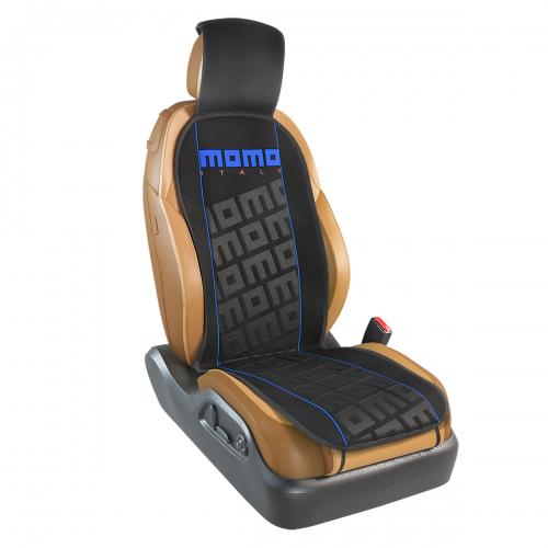 Накидка на переднее сиденье Momo Tuning, цвет: черный, синий. MOMO-102 BK/BLMOMO-102 BK/BLНакидка Momo Tuning изготовлена из высококачественного полиэстера и надежно защищает кресла от грязи и изнашивания. Благодаря универсальному крою накидку можно использовать на передних сиденьях большинства автомобилей, в том числе оснащенных боковыми подушками безопасности. Установка не занимает много времени - накидка крепится с помощью эластичных резинок и закрывает не только спинку и сиденье, но и подголовник кресла. Имеется возможность использования с любыми типами сидений. Накидка на сиденье Momo Tuning выполнена в оригинальном дизайне Momo с фирменной выштамповкой логотипа компании в центральной части изделия. Накидка придает салону автомобиля запоминающиеся спортивные черты.