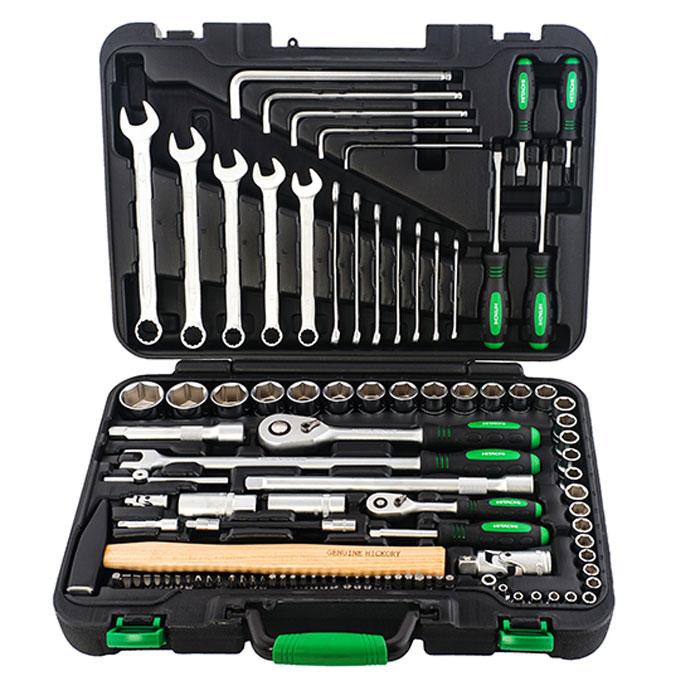 Набор ручного инструмента Hitachi, 101 предмет98298130Набор ручного инструмента Hitachi - это необходимый предмет в каждом доме. Он включает в себя 101 предмет, которые умещаются в пластиковом кейсе. Это набор станет незаменимым предметом в вашем хозяйстве.В состав набора входит:торцевые головки 1/4: 4 мм, 4.5 мм, 5 мм, 5.5 мм, 6 мм, 7 мм, 8 мм, 9 мм, 10 мм, 11 мм, 12 мм, 13 мм, 14 мм;трещотка 1/4;удлинитель 1/4: 50 мм;сцепка 1/4;вороток с бегунком 1/4: 110 мм;вороток отвертка 1/4: 150 мм;гибкий удлинитель 1/4: 150 мм;адаптер 1/4;биты TORX: Т10, Т15, Т20, Т25, Т27, Т30, Т40;биты крестовые: PH0, PH1, PH2, PH3, PZ1, PZ2, PZ3;биты HEX: 2, 2.5, 3, 4, 5, 5.5, 6, 8;биты SPLINE: М5, М6, М8;биты со слотом: 3,4, 4.5, 5, 5.5, 6,7;адаптер BIT 1/4;торцевые головки 1/2: 10 мм, 11 мм, 12 мм, 13 мм, 14 мм, 15 мм, 16 мм, 17 мм, 18 мм, 19 мм, 20 мм, 21 мм, 22 мм, 23 мм, 24 мм, 27 мм, 30 мм,32 мм;трещотка 1/2;гибкая трещотка 1/2: 375 мм;удлинитель 1/2: 125 мм, 250 мм;универсальная сцепка 1/2;головки свечные 1/2: 16 мм, 21 мм;отвертки крестовые:PH2 х 100 мм, PH2 х 40 мм;отвертки плоские: 6 мм х 100 мм, 6 мм х 40 мм;гаечный ключ с шестиугольной головкой: 3 мм, 4 мм, 5 мм, 6 мм, 8 мм;комбинированные гаечные ключи: 6 мм, 7 мм, 8 мм, 9 мм, 10 мм, 11 мм, 12 мм, 13 мм, 14 мм, 15 мм, 17 мм, 19 мм;молоток: 300 г;пластиковый кейс. Характеристики:Материал: резина, пластик, сталь. Размеры упаковки: 45 см х 32,5 см х 10 см.