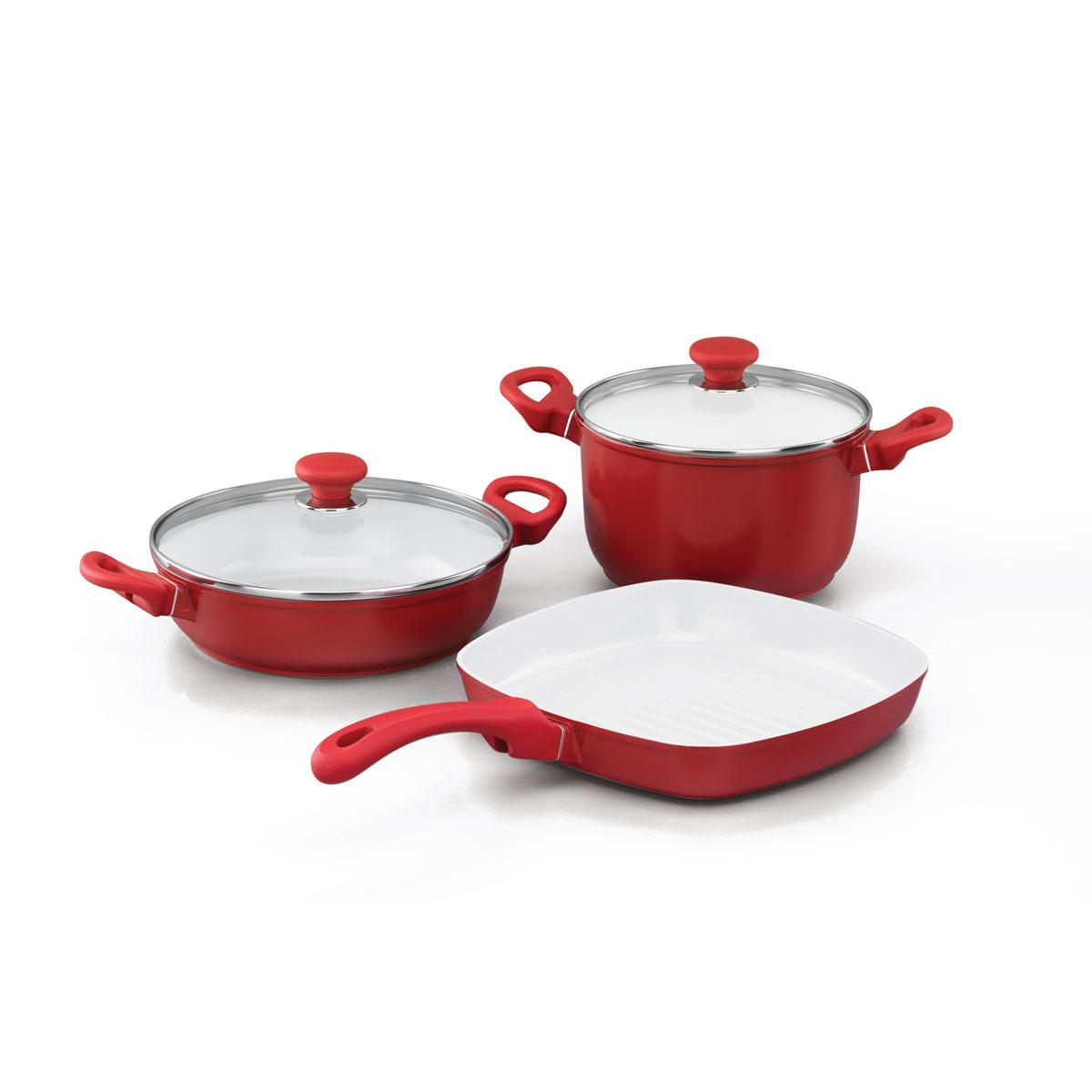 Набор посуды Korkmaz Seravita с керамическим покрытием, цвет: красный, 3 предметаA1516Набор посуды Korkmaz Seravita состоит из кастрюли с крышкой, сотейника с крышкой и сковороды-гриля. Внешнее покрытие красного цвета, внутреннее покрытие - белого цвета. Керамическое внутреннее и наружное покрытие нагревается до +450°С, чрезвычайно устойчиво к механическому воздействию, не выделяет токсичных паров при готовке, не содержит тяжелых металлов (таких как свинец и кадмий), легко моется. При готовке на керамическом покрытии пища не пристает и не пригорает, а масла требуется вдвое меньше по сравнению с другими покрытиями, что позволяет приготовить здоровую, вкусную и полезную пищу без лишних жиров и оксидантов. Кроме того, покрытие абсолютно экологично, так как не содержит тефлоновые составляющие PTFE и PFOA. Основа из высокопрочного алюминия позволяет изделиям быстро нагреваться до высокой температуры и равномерно распределять тепло по всей поверхности. Высокая теплопроводность позволяет быстро готовить даже на медленном огне, а значит, витамины и полезные...