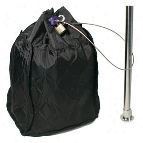 Сумка-сейф PacSafe Travelsafe 20L GII, цвет: черныйPE002BKПросторная сумка-сейф TravelSafe 20L позволит вам все свои ценности сложить и оставить в безопасном месте. Это достаточно большая сумка , в которую легко помещается 17 ноутбук, фотокамера и другие ценности. Все это позволит вам чувствовать себя свободнее во время путешествия. Характеристики: Материал: 400D нейлон, нержавеющая сталь. Размер сумки: 31 см x 37 см x 17 см. Цвет: черный. Размер упаковки: 34 см х 19 см х 10 см. Артикул: PE002BK.