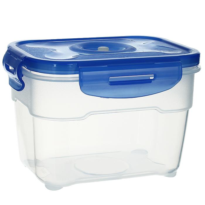 Контейнер вакуумный для пищевых продуктов Atlantis, цвет: синий, 1 лVS2R-22Контейнер Atlantis прямоугольной формы предназначен для хранения пищевых продуктов. Контейнер изготовлен из пищевого пластика, в состав которого включена антибактериальная добавка Microban. Microban, встроенный в структуру пластика, препятствует размножению микроорганизмов, уничтожает до 99,6% бактерий, находящихся на поверхности изделия. Сила межмолекулярных связей внутри полимера удерживает антисептик на поверхности и он не распространяется в сохраняемый продукт. Не изменяет вкусовых свойств хранимых в контейнере продуктов, препятствует размножению болезнетворных бактерий, сохраняет антибактериальные свойства в течение всего срока использования контейнера. Продукты сохраняются свежими дольше, чем в обычных контейнерах. Позволяет предотвратить загрязнение и неприятный запах, вызываемый бактериями, грибком и плесенью. Продукты в вакуумном контейнере можно ставить в морозилку или разогревать в микроволновой печи, не снимая при этом крышку контейнера. Состояние...
