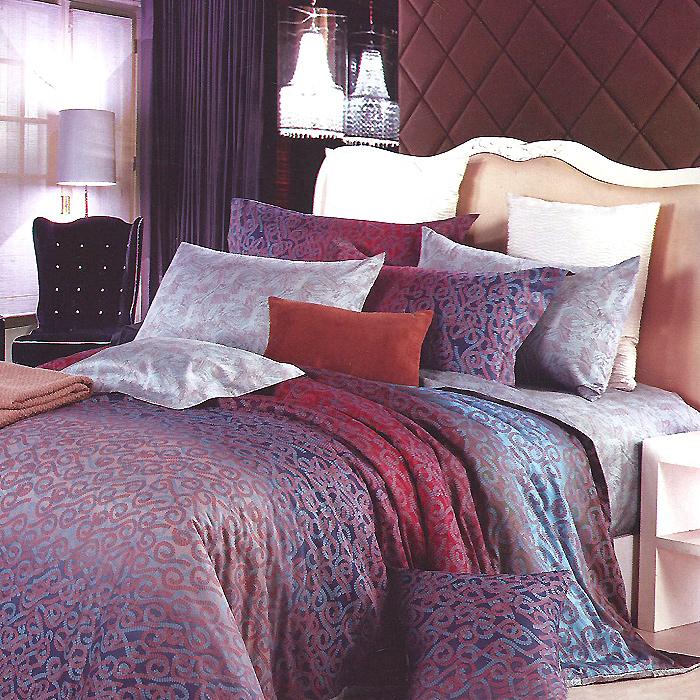Комплект белья Кения (1,5 спальный КПБ, сатин, наволочки 50х70), цвет: бордовый, синийRC-100BWCКомплект постельного белья Кения является экологически безопасным для всей семьи, так как выполнен из натурального хлопка. Комплект состоит из пододеяльника, простыни и двух наволочек. Постельное белье оформлено оригинальным ярким рисунком и имеет изысканный внешний вид.Сатин - производится из высших сортов хлопка, а своим блеском, легкостью и на ощупь напоминает шелк. Такая ткань рассчитана на 200 стирок и более. Постельное белье из сатина превращает жаркие летние ночи в прохладные и освежающие, а холодные зимние - в теплые и согревающие. Благодаря натуральному хлопку, комплект постельного белья из сатина приобретает способность пропускать воздух, давая возможность телу дышать. Одно из преимуществ материала в том, что он практически не мнется и ваша спальня всегда будет аккуратной и нарядной. Характеристики: Страна: Россия. Материал: сатин (100% хлопок). В комплект входят: Пододеяльник - 1 шт. Размер: 150 см х 210 см. Простыня - 1 шт. Размер: 160 см х 240 см. Наволочка - 2 шт. Размер: 50 см х 70 см. Высокие свойства белья торговой марки Коллекция основаны на умелом использовании вековых традиций и современных технологий производства и обработки тканей. Качество исходных материалов, внимание к деталям отделки, отличный пошив, воплощение новейших тенденций мировой моды позволяют постельному белью гармонично влиться в современное жизненное пространство и подарить ощущения удовольствия и комфорта.