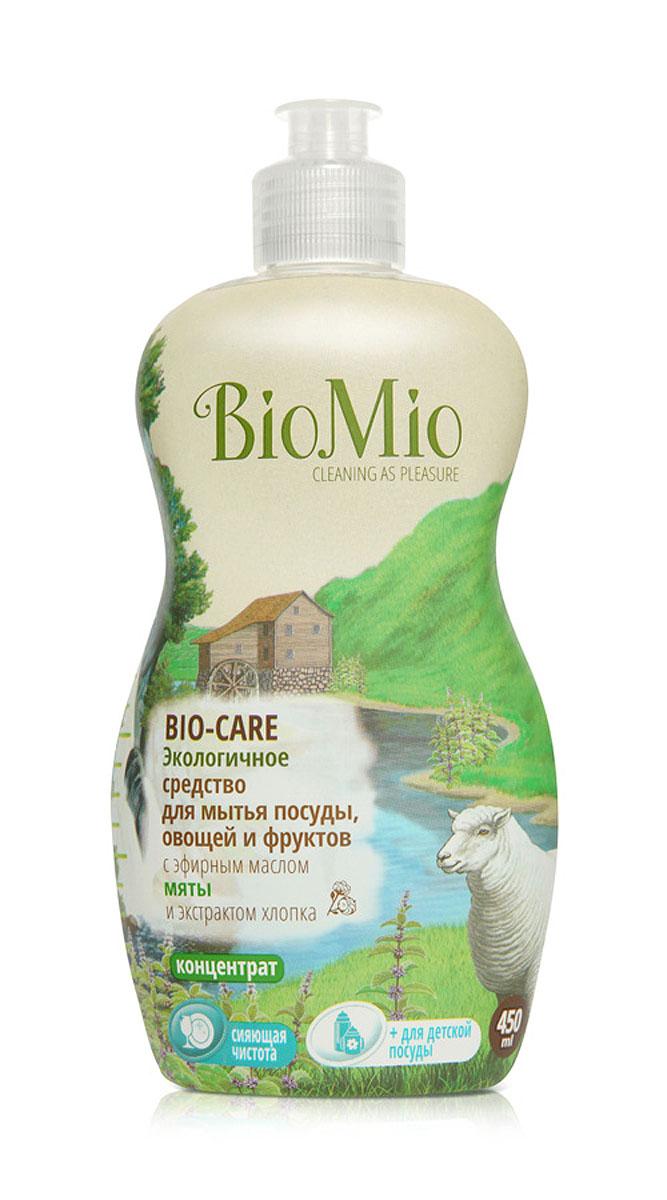 Средство для мытья посуды, овощей и фруктов BioMio, с эфирным маслом мяты, 450 млЭА-240Многофункциональное эффективное средство BioMio с мягким безопасным действием идеально подходит для мытья детской посуды, овощей и фруктов. Концентрированная формула обеспечивает экономичный расход. Специальная формула с экстрактом хлопка обеспечивает мягкое и деликатное действие на кожу рук. Подтвержденный антибактериальный эффект с дополнительной защитой для всех членов семьи благодаря ионам серебра. Безопасно для окружающей среды. Аромат мяты тонизирует, помогает восстановить силы, взбодриться и зарядится силами для новых достижений. Не содержит: фосфаты, агрессивные ПАВ, SLS/SLES, ПЭГ, хлор, нефтепродукты, искусственные ароматизаторы и красители. BioMio - линейка эффективных средств для дома, использование которых приносит только удовольствие. Уборка помогает не только очистить и гармонизировать свое пространство, но и себя, свои мысли, поэтому важно ее делать с радостью. Средства, созданные с любовью и заботой, помогут в этом и...