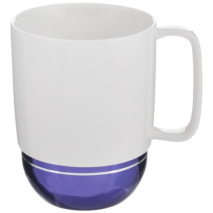 Кружка Amber Porcelain, цвет: белый, фиолетовый, 350 мл214186Кружка Amber Porcelain, выполненная из фарфора, имеет оригинальную форму. Дно изделия оснащено силиконовой накладкой. Такая кружка порадует вас дизайном и функциональностью, а пить чай или кофе из нее станет еще приятнее.