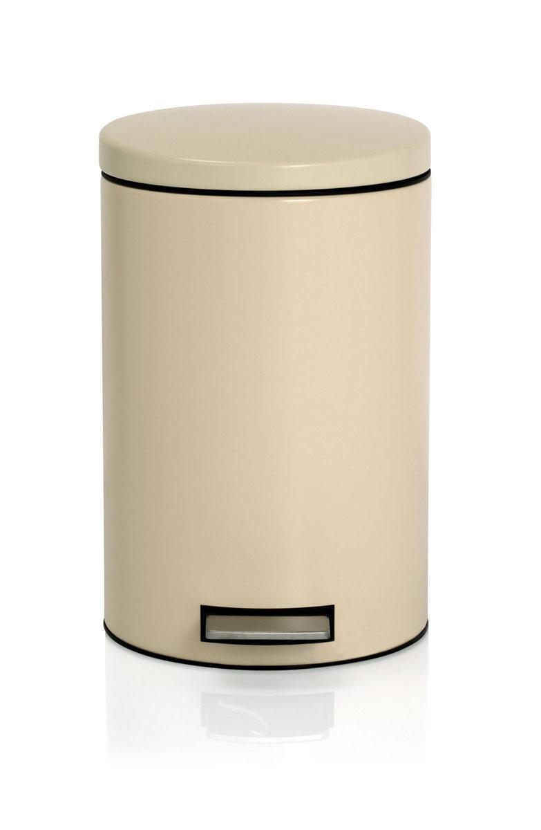 Ведро для мусора Brabantia, с педалью, цвет: миндальный, 12 л10503Ведро для мусора Brabantia, выполненное из гальванизированной стали белого цвета, обеспечит долгий срок службы и легкую чистку. Ведро поможет вам держать мусор в порядке и предотвратит распространение неприятного запаха. Нескользящая пластиковая основа ведра предотвращает повреждение пола. Внутренняя часть ведра - это корзина, выполненная из пластика и оснащенная ручкой для переноса. В комплекте с ведром идет упаковка с подходящими по размеру мусорными мешками фирмы Brabantia, которые оснащены затяжными шнурками.