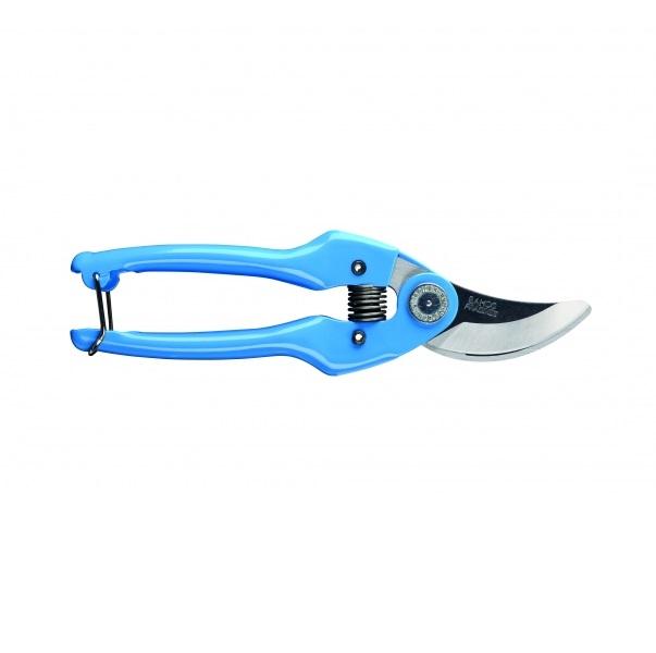 Секатор Bahco, цвет: синий. PG-14-BLUE531-401Секатор Bahco предназначен для садовых работ, в частности, для формирования крон кустарников. Прорезиненные рукоятки обеспечивают надежный захват и оснащены защелкивающимся механизмом. Лезвия изготовлены из стали и имеют индукционную закалку и высокий уровень заточки. Режущая способность 15 мм.