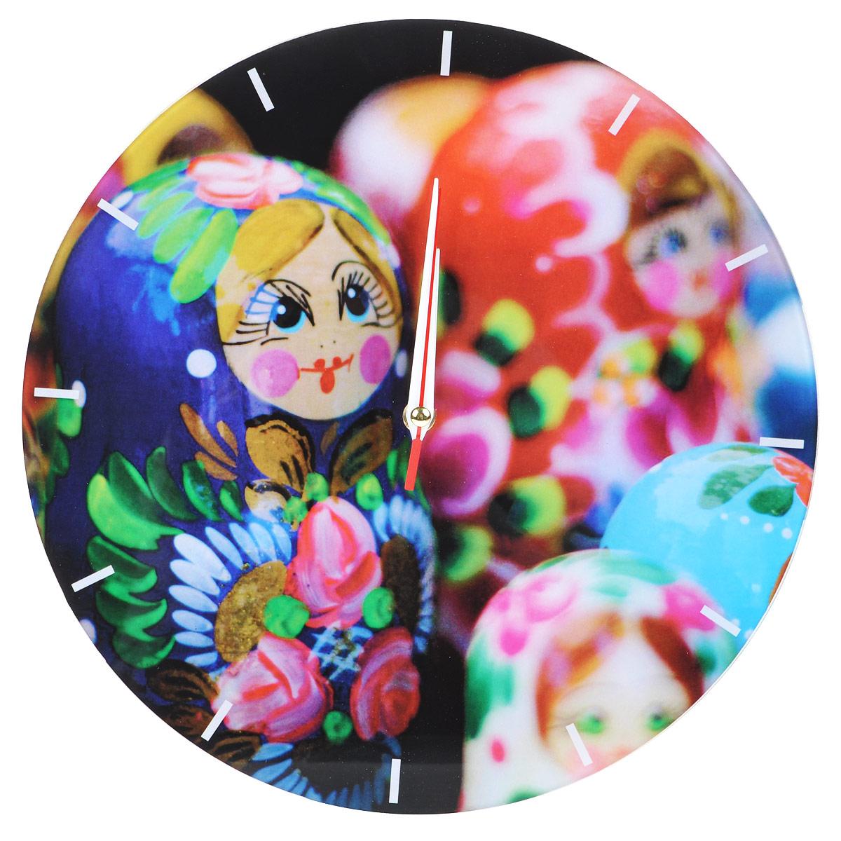 Часы настенные Матрешки, стеклянные, цвет: мульти. 9554495544Оригинальные настенные часы Матрешки круглой формы выполнены из стекла и оформлены изображением матрешек. Часы имеют три стрелки - часовую, минутную и секундную. Циферблат часов не защищен. Необычное дизайнерское решение и качество исполнения придутся по вкусу каждому. Оформите свой дом таким интерьерным аксессуаром или преподнесите его в качестве презента друзьям, и они оценят ваш оригинальный вкус и неординарность подарка. Характеристики: Материал: пластик, стекло. Диаметр: 28 см. Работают от батарейки типа АА (в комплект не входит).