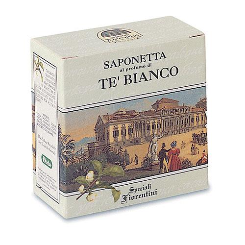 Derbe Мыло Белый чай, 100 гA900202413Мыло Derbe Белый чай с восхитительным ароматом лаванды, эффективно возвращает коже гладкость и мягкость, устраняет сухость и шелушение. Завораживает чудесным ароматом лаванды. Spigo (Lavanda) - разновидность горькой лаванды, которую любят в Италии. Она не имеет сладкого французского флера. Сильный устойчивый аромат. Одно небольшое твердое мыло в шкафу способно на долгий срок придать аромат вашим вещам по рецепту наших бабушек. Назначение: подходит для ежедневного очищения и ухода за кожей тела. Эффекты: великолепно тонизирует и освежает кожу, одновременно восстанавливает оптимальный уровень влаги и защищает от обезвоживания. Устраняет сухость, успокаивает и смягчает, даря коже нежность. Завораживает успокаивающим ароматом лаванды. Лаванда издавна применяется в качестве превосходного успокаивающего, укрепляющего и освежающего средства. Экстракт лаванды бесценен для ухода за кожей любого типа, благодаря омолаживающим силам и балансирующим эффектам. Лаванда...