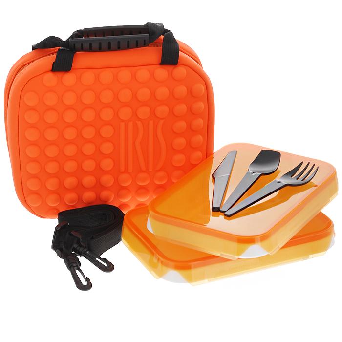 Термоланчбокс неопреновый Iris Barcelona Twin Bag, с контейнерами и приборами, цвет: оранжевый. 9936-T9936-TТермоланчбокс Iris Barcelona Twin Bag изготовлен из неопрена ярко-оранжевого цвета. Внутренняя поверхность отделана специальным изотермическим материалом, сохраняющим температуру пищи (холодную или горячую). Внутри содержатся два прямоугольных пластиковых контейнера с плотно закрывающимися крышками оранжевого цвета. Также имеется набор столовых приборов (ложка, вилка, нож), выполненных из прочного пищевого пластика черного цвета. Контейнеры и приборы закрепляются внутри сумки с помощью ремней на липучках. Сумка закрывается на застежку-молнию, имеет две ручки черного цвета для удобной переноски. Предусмотрен отстегивающийся плечевой ремень регулируемой длины. Такая сумка пригодится где угодно: ее можно взять с собой на работу, учебу, прогулку или в поездку. Она сохранит еду свежей и вкусной, а компактный размер не займет много места в сумке или багаже. Характеристики: Материал: неопрен (100% полиэстер), пластик. Цвет: оранжевый. Объем контейнера: 0,6...