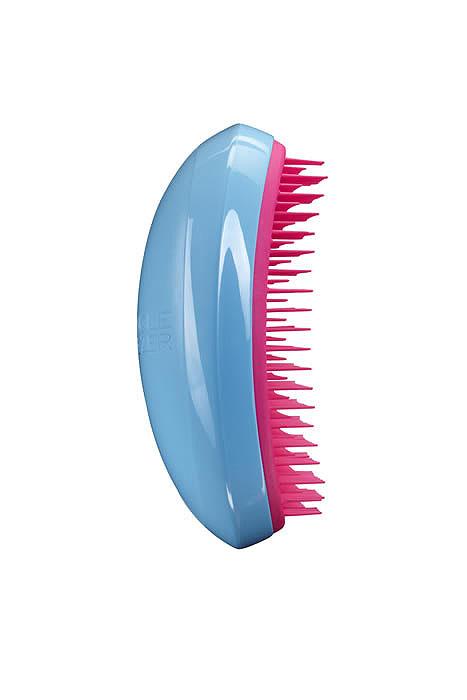 Tangle Teezer Расческа для волос Salon Elite. Blue Blush338-8940Профессиональная распутывающая расческа Tangle Teezer Salon Elite идеально подходит для всех типов волос. Оригинальная форма зубчиков обеспечивает двойное действие и позволяет быстро и безболезненно расчесать влажные и сухие волосы. Благодаря эргономичному дизайну, расческу удобно держать в руках, не опасаясь выскальзывания.Товар сертифицирован.
