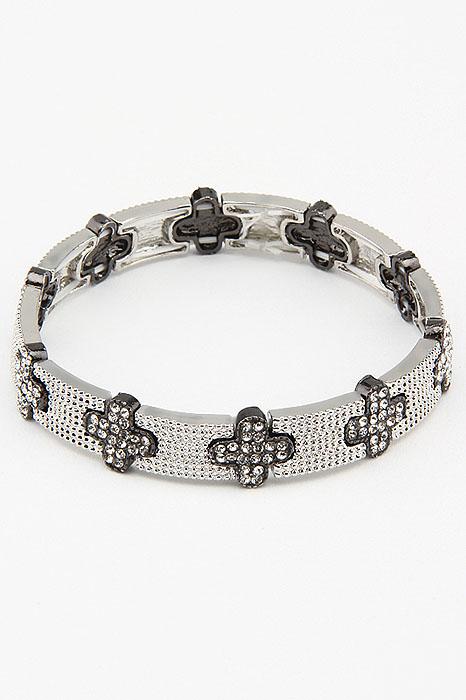 Браслет Fashion Jewelry, цвет: серебристый, черный. BR0192BR0192Браслет Fashion Jewelry на резинке, выполненный из металла, украшен стразами. Такой браслет позволит вам быть оригинальной и изящной и создать свой неповторимый образ. Красивое и необычное украшение блестяще подчеркнет изысканный вкус, женственность и красоту своей обладательницы и поможет внести разнообразие в привычный образ.