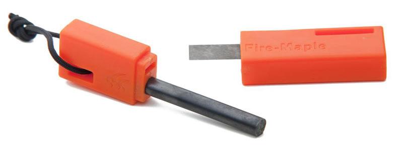 Огниво c кресалом Fire-Maple. FMP-709FMP-709Огниво c кресалом Fire-Maple - это вечная зажигалка, которая работает в любую погоду и на любой высоте, и в дождь и в снег. Искра имеет температуру около 3000°С. Это огниво было выбрано как одно из самых лучших среди туристов во всем мире. Главной особенностью этой модели является компактный футляр, который разбирается на огниво и кресало. С одной стороны футляр имеет удобный нейлоновый шнурок, подходящий для быстрого извлечения из кармана, с другой - отверстие для крепления дополнительных шнурков, либо для размещения огнива на снаряжении. В состав огнива входит 18,5% Fe, 49% Ce, 30% La и другие элементы.