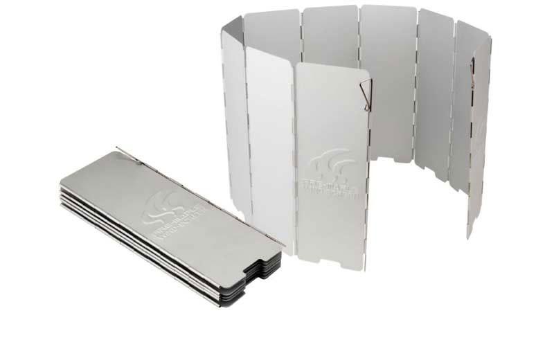 Ветрозащитный экран Fire-Maple, жесткий, 10 секций, 24 см х 84,5 см. FMW-51010936Ветрозащитный экран Wind-Screen FMW-510 изготовлен из алюминия, анодированная поверхность которого хорошо отражает тепло. Устойчив к истиранию, прочный и долговечный. Стальные ручки-фиксаторы может скользить вверх и вниз и легко фиксирует экран на грунте. 10 частей.