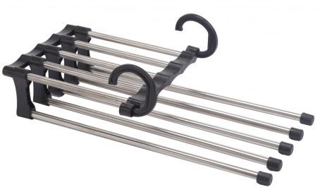Вешалка для брюк 5 в 1 Bradex ГингоTD 0221Вешалка для брюк 5 в 1 Bradex Гинго предназначена для минимизации пространства в шкафу или багаже. Может использоваться для того, чтобы повесить брюки, рубашки или другие предметы гардероба. Приспособление состоит из каркаса с 5 вешалками из нержавеющей стали и двух крючков из прочного пластика. Вешалки способны выдвигаться при необходимости за счет своей конструкции.