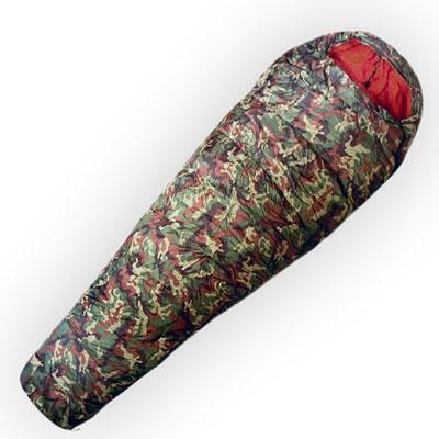 Спальный мешок Husky Army, правосторонняя молнияATC-F-01Самый теплый спальный мешок в серии Husky Outdoor для универсального использования с весны до зимы. В качестве утеплителя использован Hollowfibre - полиэстер с четырьмя каналами с максимальной пушистостью (LOFT), который не поглощает никакой влажности. Внешний материал - полиэстер камуфляжной расцветки.В комплект также входит компрессионный мешок.Наружный материал:Poliester 185T.Внутренний материал: Soft Nylon.Утеплитель: волокно Hollowfibre 2 слоя по 205 гр/м2.