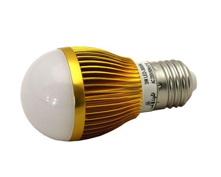 Светодиодная лампа Luck & Light, теплый свет, цоколь E27, 3WB3W-WСветодиодная лампа Luck & Light инновационный и экологичный продукт, специально разработанный для эффективной замены любых видов галогенных или обыкновенных ламп накаливания во всех типах осветительных приборов. Основные преимущества лампы Luck & Light: Экономия до 80 % энергии. Средний срок службы 30000 ч. Характеристики: Материал: пластик, металл. Размеры лампы: 10 см х 5 см х 5 см. Размеры упаковки: 10,5 см х 6 см х 6 см. Гарантия производителем: 2 года.