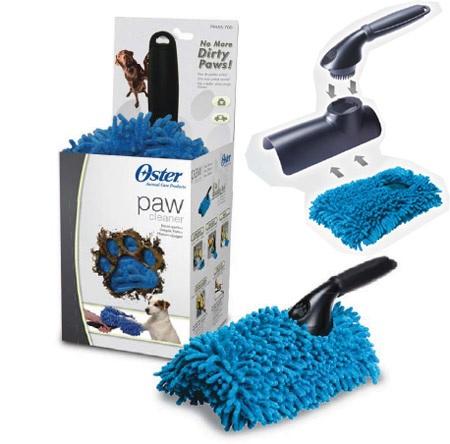 Щетка для мытья лап Oster, цвет: синий079555-700Специальная щетка для мытья лап животного. Специально разработанные каналы для лап. Щетка оснащена специальной съемной насадкой из микрофибры, волокна которой полностью впитывают влагу. Уникальная форма и материал позволяют быстро очистить грязные лапы и сделать эту процедуру приятной для вас и для Вашей собаки. Съемную насадку можно использовать в качестве губки при купании животного, стирать в машинке.