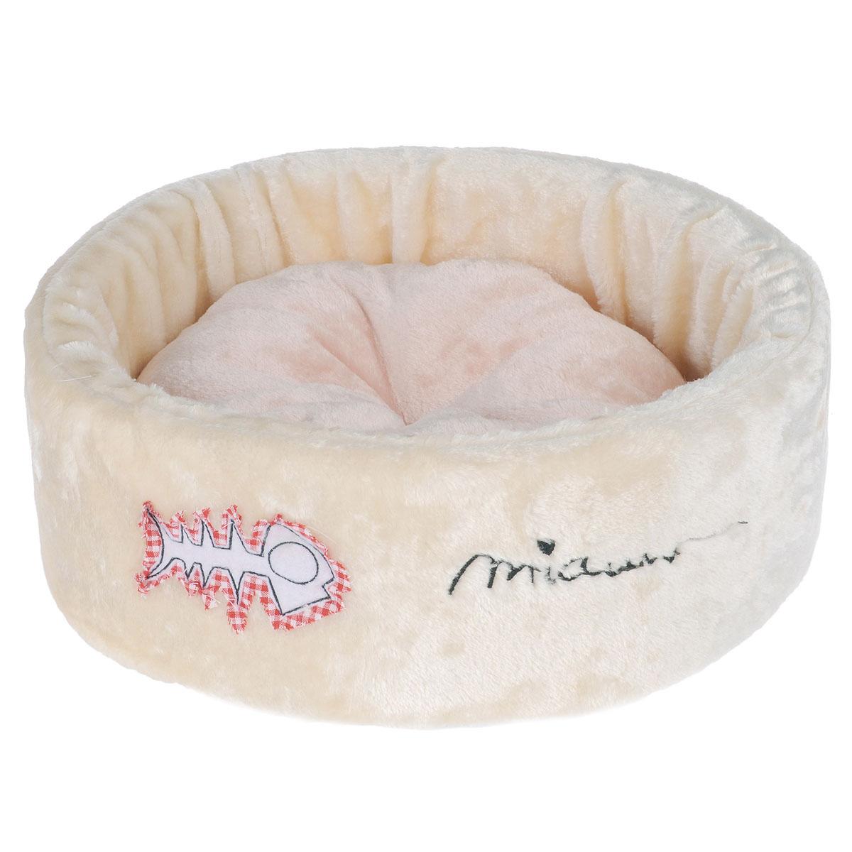 Лежанка для кошек I.P.T.S. Miauw, 40 см х 40 см х 15 см25963, 705256Лежанка I.P.T.S станет излюбленным местом отдыха для вашего питомца, ведь уютное плюшевое спальное место по достоинству оценит даже самый привередливый кот. Лежанка имеет округлую форму и выполнена в приятном бежевом цвете с нашивкой в виде рыбьей косточки. Нейтральный цвет впишется в интерьер, и изделие будет одинаково хорошо смотреться как в гостиной, так и в другой комнате. Размер лежанки: 40х40х15 см. Товар сертифицирован.
