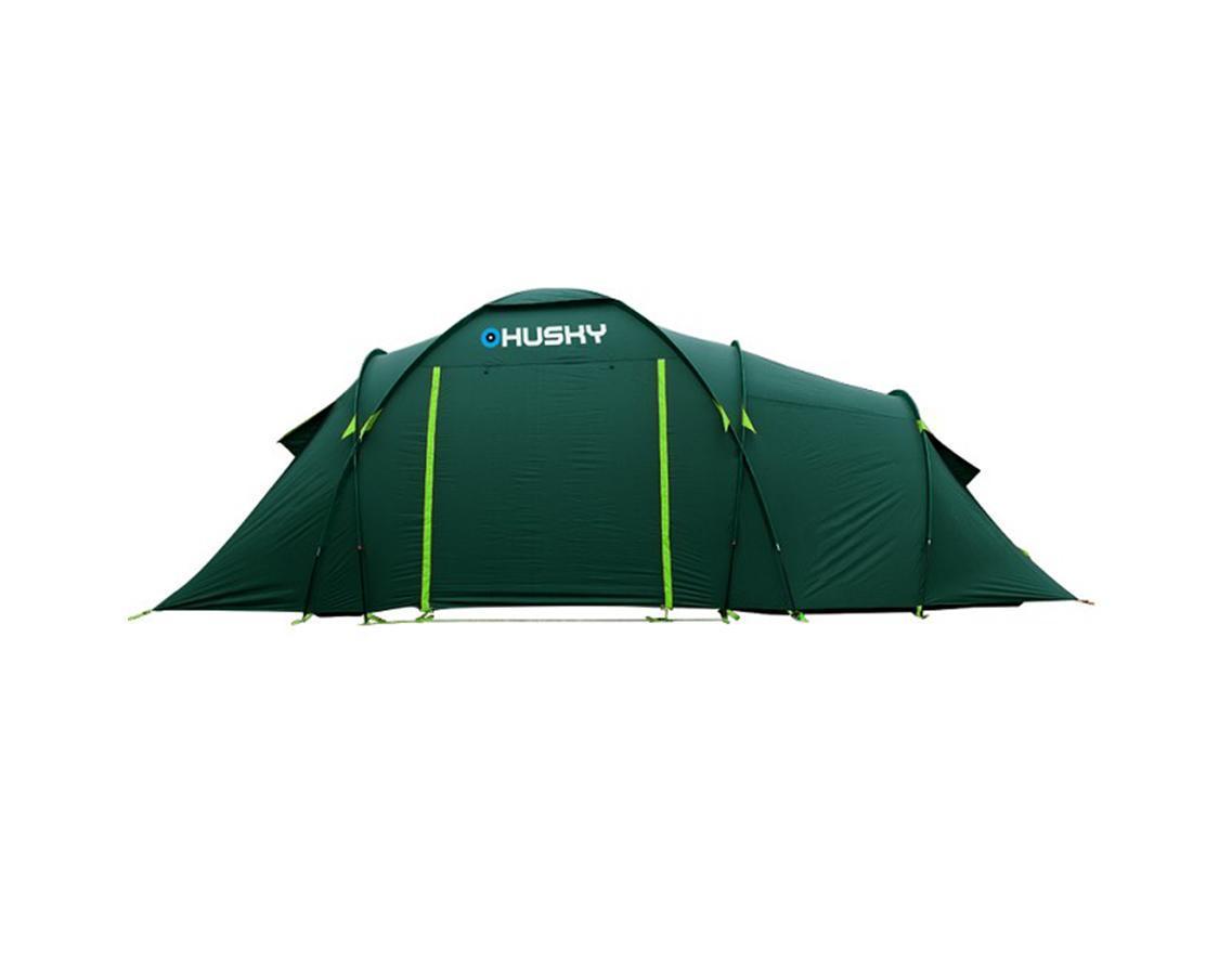 Палатка Husky Boston 6 Dark Green, цвет: темно-зеленый800802Просторная кемпинговая палатка Boston 6 отлично подойдет для путешествий большой компанией. Палатка рассчитана на 6 человек. В палатке предусмотрены два входа и два тента. Обширный тамбур в середине палатки легко может быть общей комнатой. Подняв полотнище входа, можно использовать его как навес. В комплекте компрессионный мешок, стальные колышки, ремкомплект, отстегивающийся пол.Палатка комплектуется стальными колышками и растяжками. Характеристики:Количество мест: 6. Размер палатки: 560 см х 260 см х 200 см. Количество входов: 2. Дуги из дюраврапа: 2 х 11 мм, 3 х 9,5 мм. Материал наружного тента: полиэстер 185Т с PU-покрытием. Материал внутреннего тента: водоотталкивающий нейлон 190Т, противомоскитная сетка. Материал дна: армированный полиэтилен с водоотталкивающим покрытием. Габариты палатки в упакованном виде: 65 см х 29 см х 29 см. Вес минимальный: 13500 г. Вес максимальный: 14500 г. Цвет: темно-зеленый. Производитель: Чехия. Изготовитель: Китай.