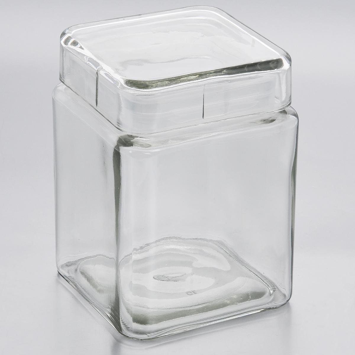 Емкость для хранения Esprado Cristella, 1240 млC041201E405Емкость для хранения Esprado Cristella изготовлена из качественного прозрачного стекла, отполированного до идеального блеска и гладкости. Изделие имеет квадратную форму. Стекло термостойкое, что позволяет использовать емкость Esprado при различных температурах (от -15° С до +100°С). Это делает ее функциональным и универсальным кухонным аксессуаром. Емкость очень вместительна, поэтому прекрасно подходит для хранения круп, макарон, кофе, орехов, специй и других сыпучих продуктов. Крышка плотно закрывается и легко открывается благодаря силиконовой прослойке. Это обеспечивает герметичность и дольше сохраняет продукты свежими. Благодаря различным дизайнерским решениям такая емкость дополнит и украсит интерьер любой кухни. Емкости для хранения из коллекции Cristella разработаны на основе эргономичных дизайнерских решений, которые позволяют максимально эффективно и рационально использовать кухонные поверхности. Благодаря универсальному внешнему виду, они...