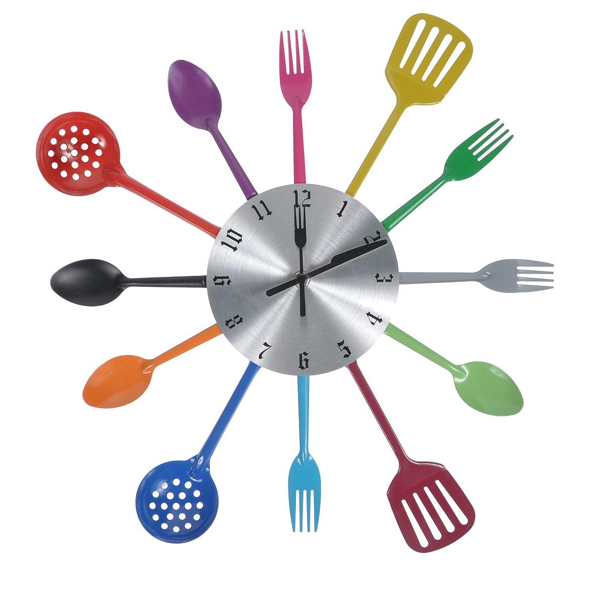 Часы настенные Поваренок. 9520695206Оригинальные настенные часы Поваренок прекрасно подойдут к интерьеру кухни. Корпус выполнен из пластика и оформлен по кругу металлическими декоративными элементами в виде разноцветных кухонных приборов. Часы красиво оформят интерьер кухни и станут прекрасным подарком к любому случаю. Диаметр циферблата: 15 см. Общий диаметр часов: 39 см.