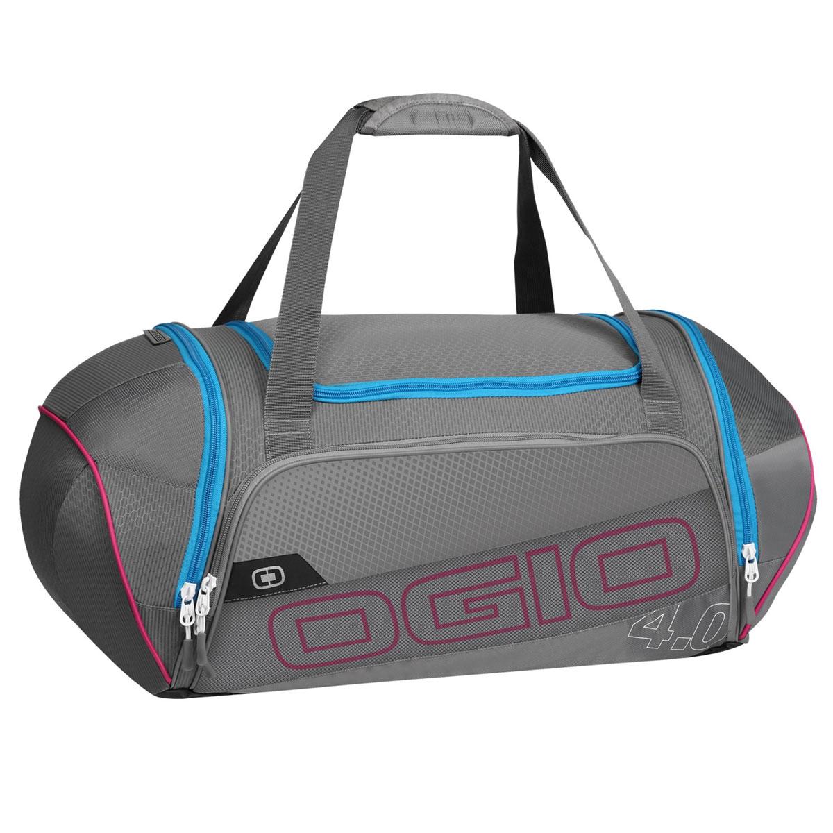 Сумка OGIO Endurance 4.0, цвет: серый, голубой. 112037.376112037.376Сумка Ogio Endurance 4.0 имеет надежную и легкую конструкцию, обладающую высокой устойчивостью к растяжению. Особенности: Складывающаяся система наплечных ремней. Хорошо вентилируемое сетчатое отделение для обуви. Износостойкое и устойчивое к истиранию брезентовое основание. Особое отделение для продуктов питания. Легкая, износоустойчивая и прочная на разрыв ткань. Вместительное основное отделение. Боковой карман с двусторонней застежкой на молнии. Устойчивая к поту, мягкая литая ручка для переноски. Передний карман на молнии для хранения аксессуаров. Большой карман для бутылки с водой. Яркая подкладка. Объем: 47 л. Материал: кареточная ткань 420D, кареточная ткань.