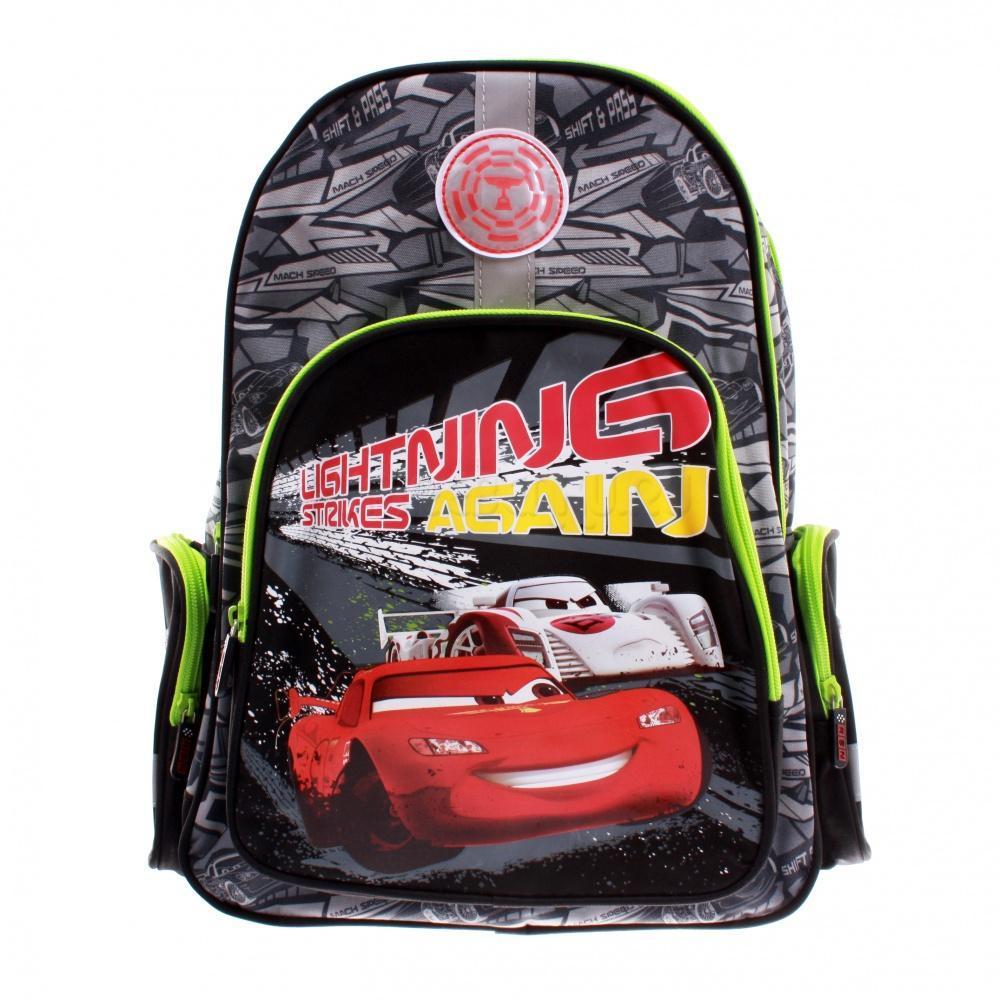Рюкзак детский Cars CRAB-RT2-962172523WDСпинка выполнена с использованием высокотехнологичного упругого материала (EVA) и специально расположенных эргономических элементов с воздухообменной сеткой, служащих для правильного и безопасного распределения нагрузки на спину ребенка. Лямки рюкзака специальной S-образной формы с поролоном и воздухообменной сеткой регулируются по длине. Данные конструктивные особенности помогут обеспечить максимальный комфорт при ношении рюкзака за спиной ребенку любой комплекции. Рюкзак имеет два больших отделения на молнии. Основное отделение с двумя разделителями. Вместительное дополнительное отделение, вмещающее изделия форматом до А4 включительно. Рюкзак снабжен двумя боковыми карманами на молнии, вместительным фронтальным карманом на молнии и текстильной ручкой с резиновым захватом. Дно рюкзака можно сделать жестким, разложив специальную панель с пластиковой вставкой, что повышает сохранность содержимого рюкзака и способствует правильному распределению нагрузки.