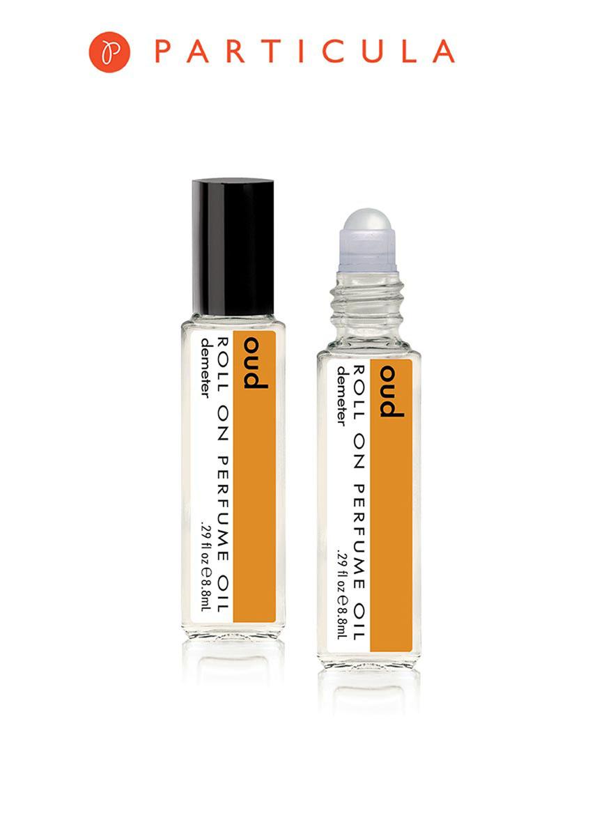 Demeter Fragrance Library Парфюмерное масло Уд (Oud), 8,8 млDM28878Уд — особое индийское дерево, зараженное специальными бактериями, благодаря чему оно приобретает свой неповторимый аромат, который очень часто используется в парфюмерных композициях. Но дизайнеры Demeter решили устроить сольный концерт этой ноте и создали парфюм, раскрывающий глубину этого аромата во всей красе. Любители древесных ароматов ликуют и кричат бис! Способ применения: Нанести на сухую, чистую кожу. На точки пульса. Парфюмерные масла - это концентрат, в состав которого входят только натуральные ароматические вещества. Парфюмерные масла, состоящие из масляной основы и сбалансированной парфюмерной композиции, обеспечивают стойкость аромата, поэтому запах держится очень долго. Отсутствие спирта делает ароматы менее летучими, не вызывает аллергической реакции и не высушивает кожу. Они не испаряются с кожи, а постепенно впитываются в нее. Товар сертифицирован.
