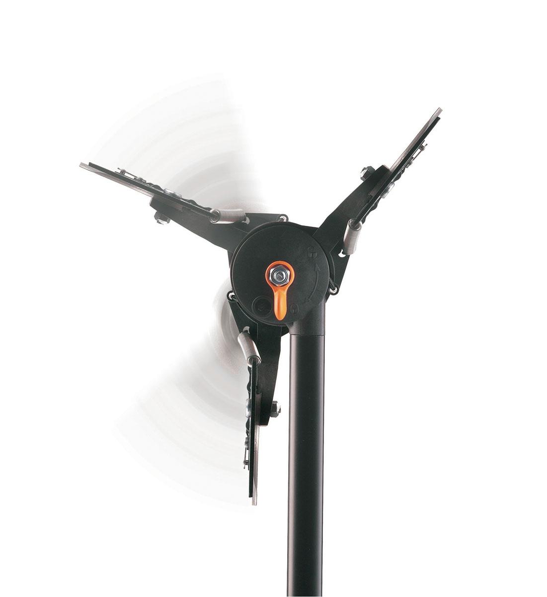 Сучкорез удлиненный Fiskars, вертикальный диапазон 3,5 м, рез 32 мм115360Сучкорез Fiskars сконструирован таким образом, чтобы доставать как низко, так и высоко расположенные ветви. С помощью этого инструмента Вы легко обойдетесь без лестницы даже в самых труднодоступных участках. Режущий механизм создает усилие, которого достаточно, чтобы перерезать даже самые жесткие ветви без дополнительных усилий. Для обеспечения максимальной маневренности режущая головка может поворачиваться на 230 градусов, так, чтобы ее положение наилучшим образом подходило для работы. Особенности сучкореза: Вертикальный рабочий диапазон 3,5 метра. Регулируемый угол режущей головки (до 230°). Длинная штанга позволяет осуществлять подрезку в труднодоступных местах с безопасной устойчивой позиции. Эффективный механизм PowerReel облегчает подрезку в 12 раз. Надежный механизм блокировки. Плоскостная техника подрезки для работы с сырой древесиной.