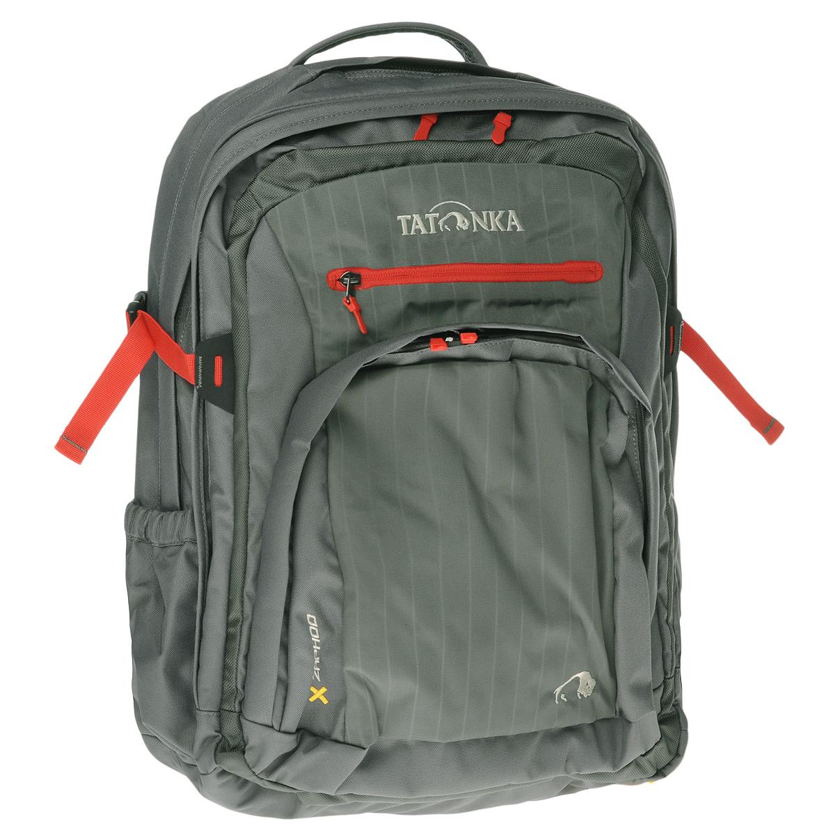 Рюкзак Tatonka Zaphod, цвет: серый1702.043Городской рюкзак Tatonka Zaphod с идеальным оснащением для учебы или работы в офисе. Это не преувеличение. И в первую очередь это касается ноутбука. Zaphod оснащен специальным мягким отделением 15.4 и отдельной мягкой сумкой-чехлом для ноутбука, которую можно вынуть и использовать отдельно. Даже для аксессуаров от ноутбука предусмотрена отдельная вынимаемая сумка. Кроме двух основных отделений, Zaphod оснащен органайзером в переднем кармане и множеством кармашков, как внутри, так и снаружи - и все это разработано в соответствии с назначением того или иного элемента рюкзака. Разумеется, Zaphod хорош и как рюкзак- подвеска Vent Comfort, S-образные мягкие лямки и спинка, обтянутые сеточкой AirMesh, съемные нагрудный и поясной ремни - все это гарантирует удобство и комфорт и в городе, при выездах на пикник или в короткий поход. Особенности рюкзака: Подвеска Vent Comfort. Мягкие S-образные лямки. Боковые стяжки. Поясной и нагрудный ремни. Отделение для...