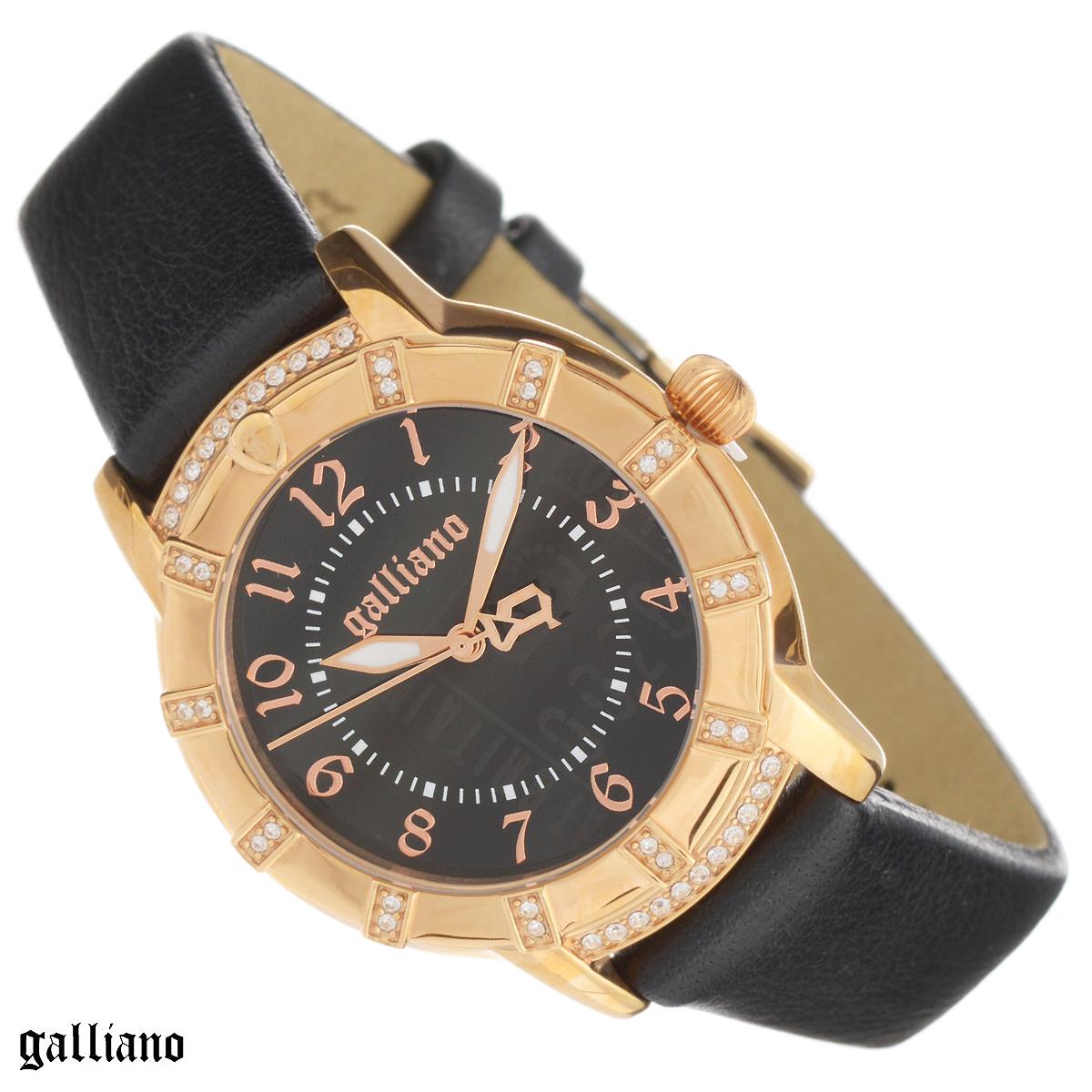Часы женские наручные Galliano, цвет: черный, золотой. R2551102501R2551102501Наручные женские часы Galliano оснащены кварцевым механизмом. Корпус выполнен из высококачественной нержавеющей стали с PVD-покрытием и украшен кристаллами. Циферблат с арабскими цифрами защищен минеральным стеклом. Часы имеют три стрелки - часовую, минутную и секундную. Ремешок часов выполнен из натуральной кожи и оснащен классической застежкой. Часы укомплектованы паспортом с подробной инструкцией. Часы Galliano благодаря своему великолепному дизайну и качеству исполнения станут главным акцентом вашего образа. Характеристики: Диаметр циферблата: 2,6 см. Размер корпуса: 3,4 см х 3,4 см х 0,8 см. Длина ремешка (с корпусом): 20,5 см. Ширина ремешка: 1,5 см.
