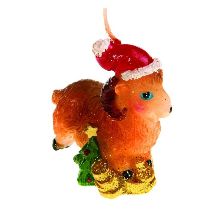 Свеча декоративная Sima-land Овца в новогоднем колпачке. 823791UP210DFСвеча декоративная Sima-land Овца в новогоднем колпачке - отличный подарок, подчеркивающий яркую индивидуальность того, кому он предназначается. Свеча выполнена из высококачественного воска в форме овцы с деньгами. Такая свеча украсит интерьер вашего дома или офиса в преддверии Нового года. Оригинальный дизайн и красочное исполнение создадут праздничное настроение. Материал: воск.Размер свечи (без учета фитиля): 5 см х 2,5 см х 6 см.